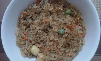Gạo mầm Vibigaba tỏi đen lúc cắt khỏi bao bì
